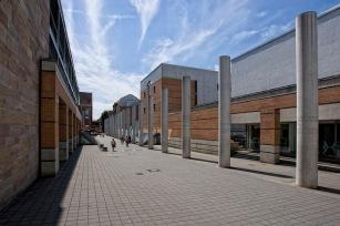 Nuernberg - Germanisches Nationalmuseum mit der Strasse der Mens